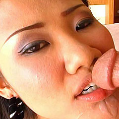 thai amateurs sucking and fucking