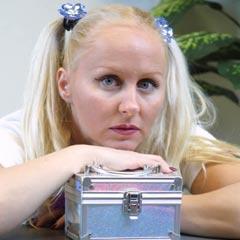 TrixieSwallows.com - La sbora hardcore inghiottendo queen della internet!