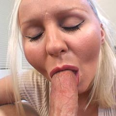 american amateur babe does it all